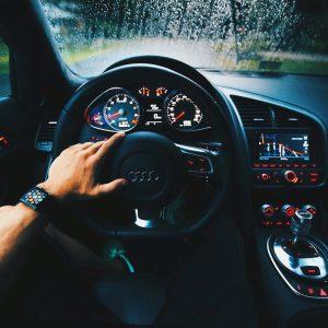 Czy warto decydować się na zakup używanego samochodu?